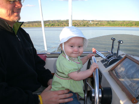 angel-driving-boat-2