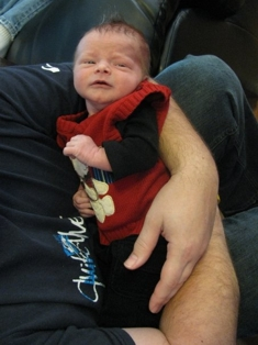 pip-with-daddy-newborn