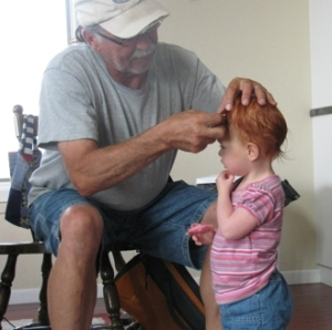 papa fixing belles hair 1
